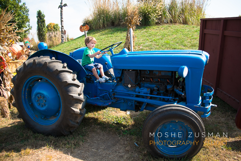 family-photos-moshe-zusman-cox-farms-fuji-x-e1-02.jpg