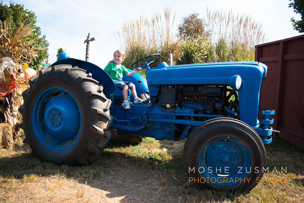 family-photos-moshe-zusman-cox-farms-fuji-x-e1-03.jpg