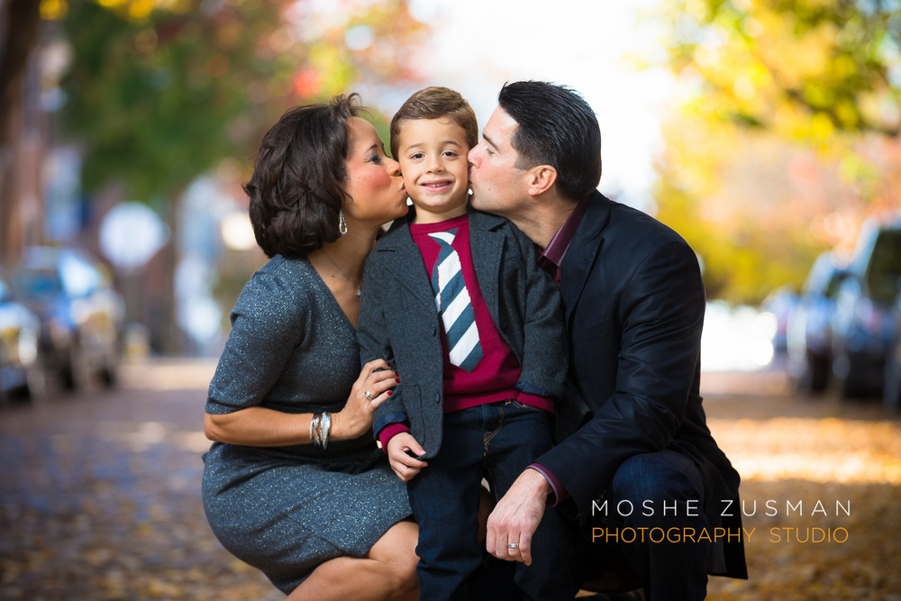 Family-portraits-moshe-zusman-photography-holiday-photos-old-town-alexandria-maurisa-turner-potts-03.jpg