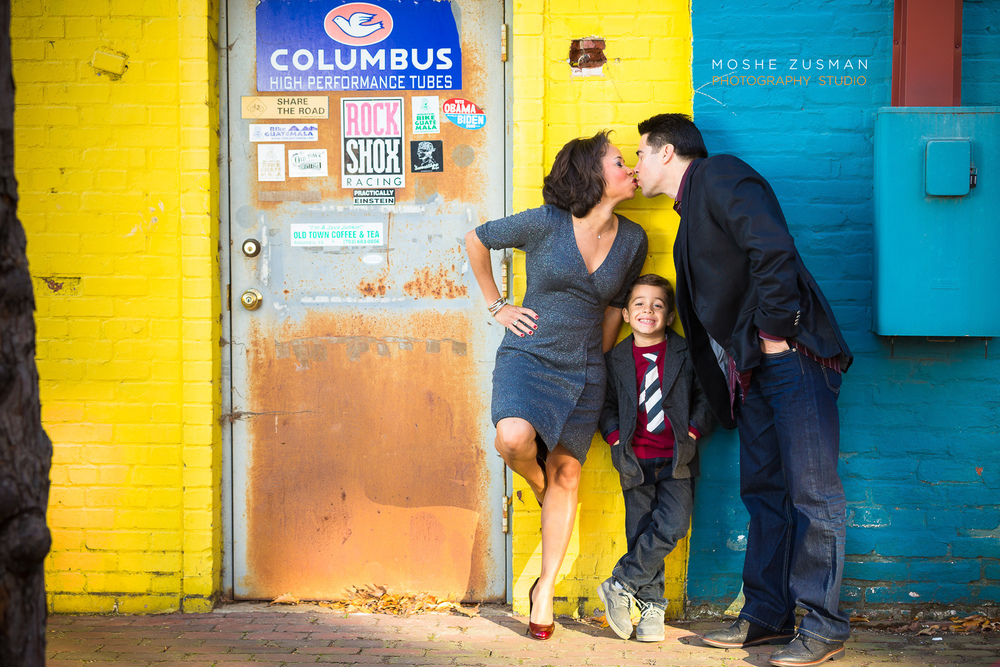 Family-portraits-moshe-zusman-photography-holiday-photos-old-town-alexandria-maurisa-turner-potts-01.jpg