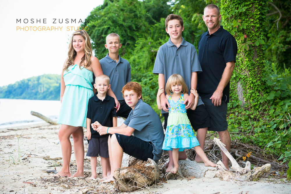 family portrait photographer moshe zusman beach photos jones family 08.jpg