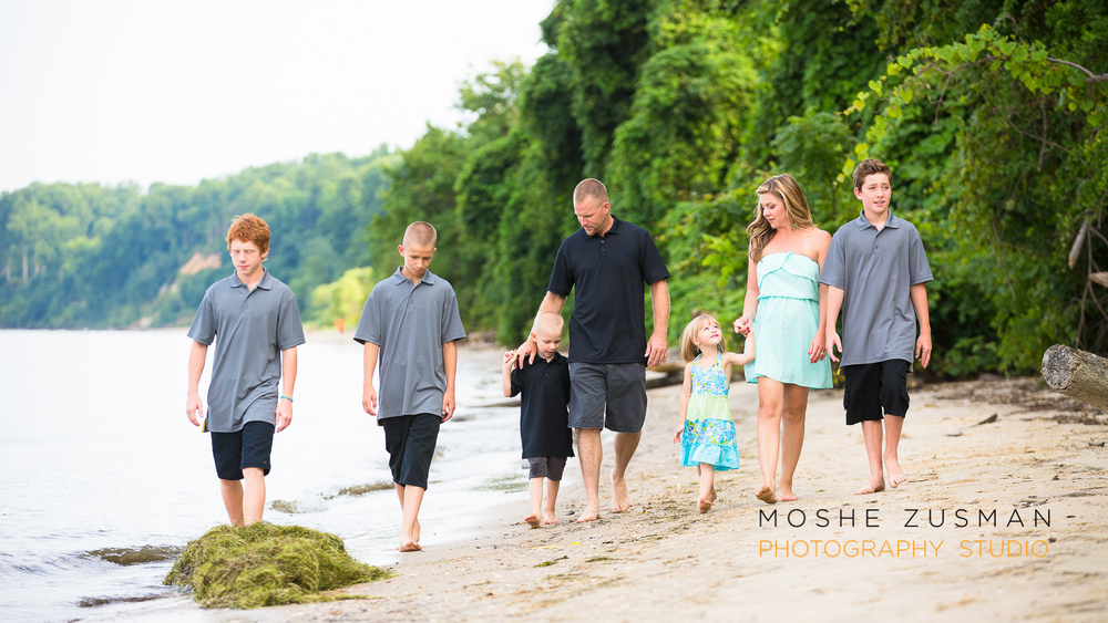 family portrait photographer moshe zusman beach photos jones family 20.jpg