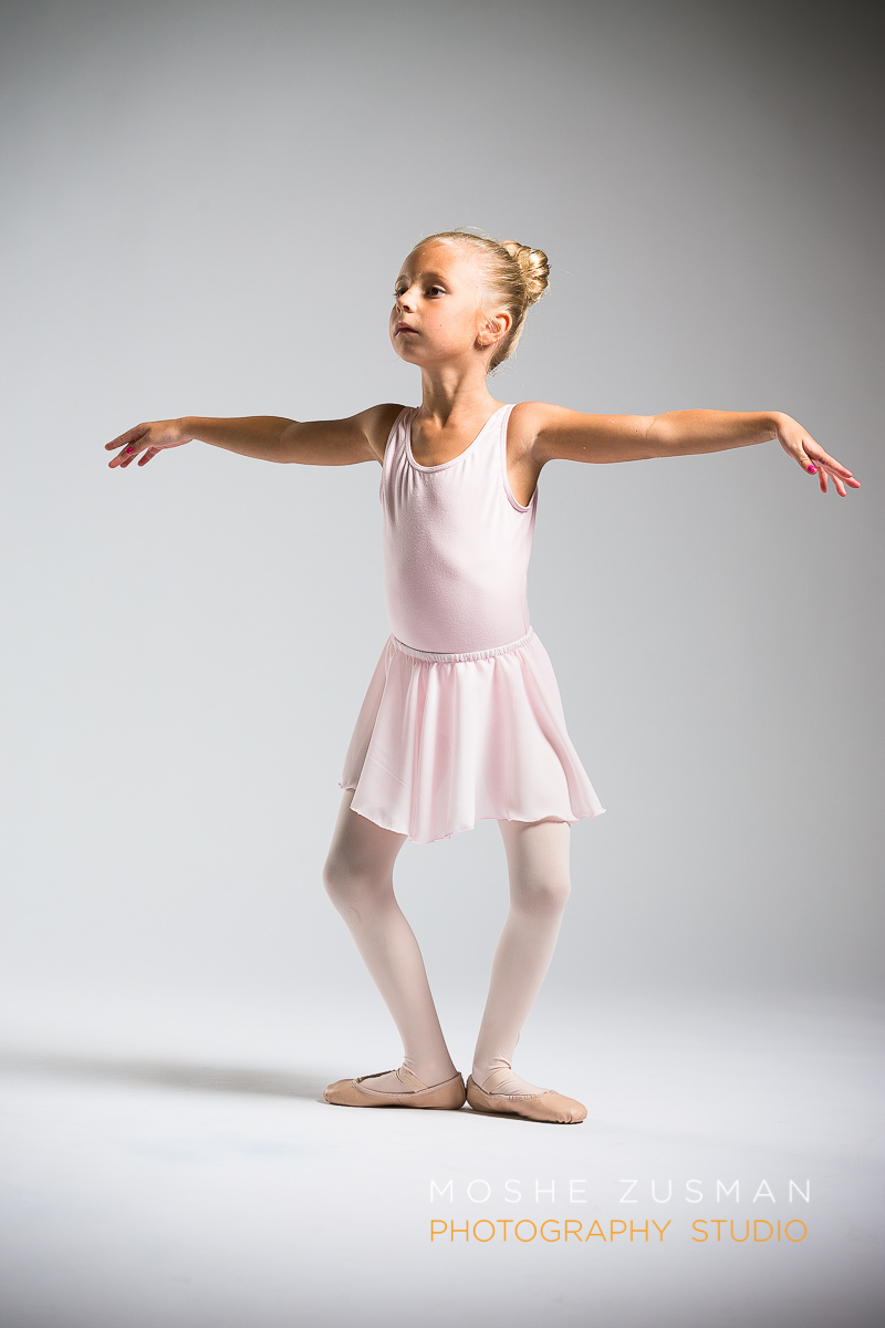 ballet-girls-little-ballerina-studio-portraits-moshe-zusman-photography-dc-15.jpg