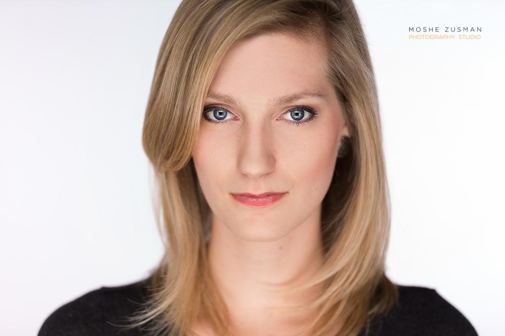 Katie Asprovski headshot session © MOSHE ZUSMAN PHOTOGRAPHY STUDIO