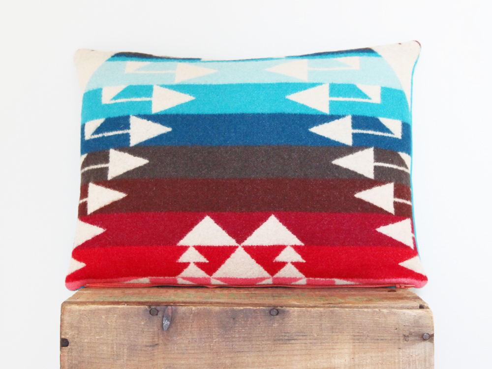Pendleton Pillow / Glacier L
