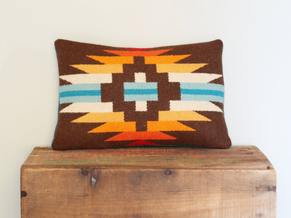 Pillow_zigzag_Brown-teal1A.png