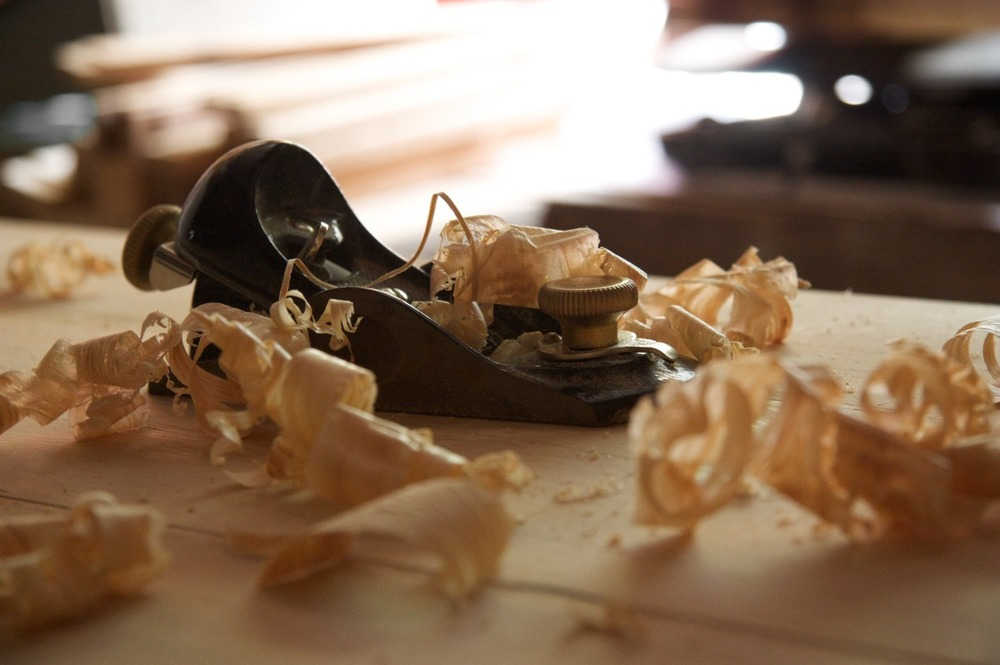 2009-06-20 at 14-26-59 woodworking block plane shavings wood.jpg