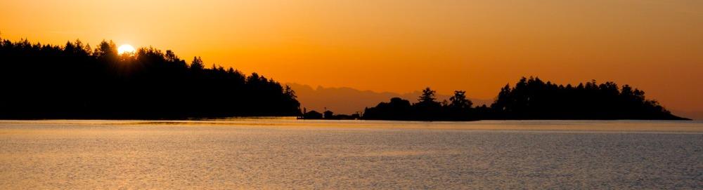 2010-05-09 at 05-58-12 departures bay island nanaimo ocean seascape silhouette sunrise landscape.jpg