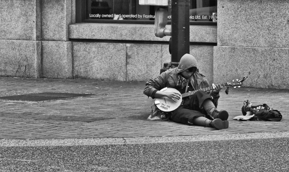2012-02-05 at 13-17-13 banjo, busker, music, sidewalk, sitting, street life, victoria.jpg