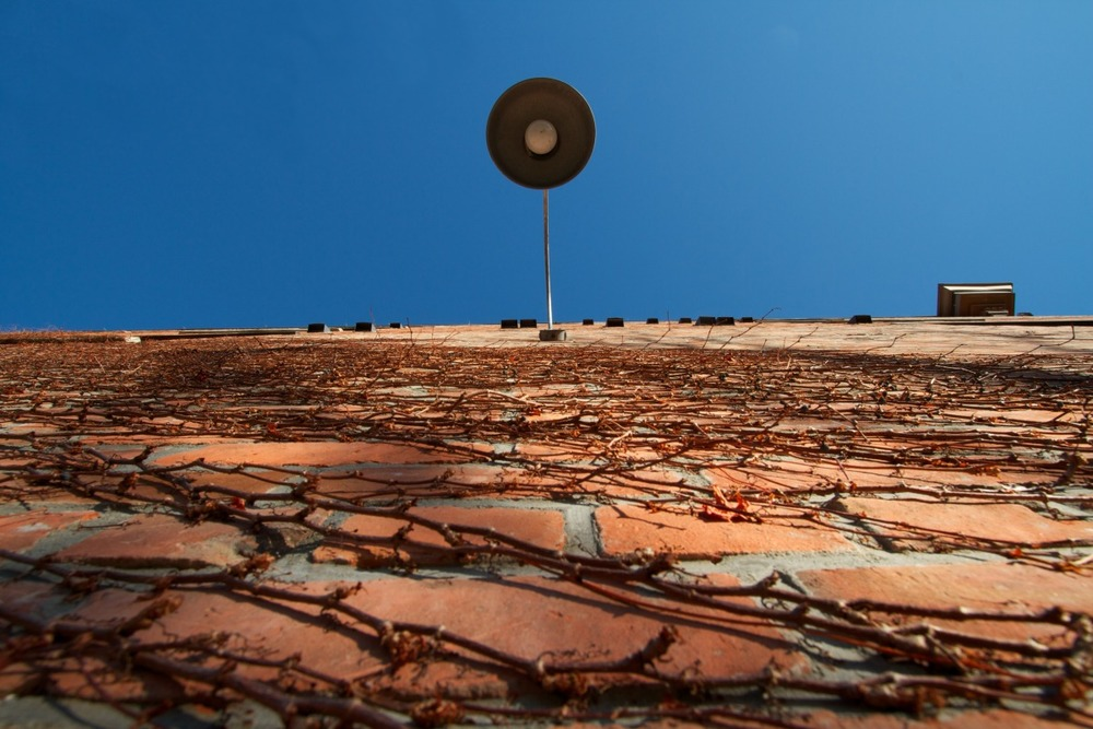 2012-02-04 at 15-08-29 architecture, blue, bricks, looking up, sky, urban, wall, street lamp.jpg