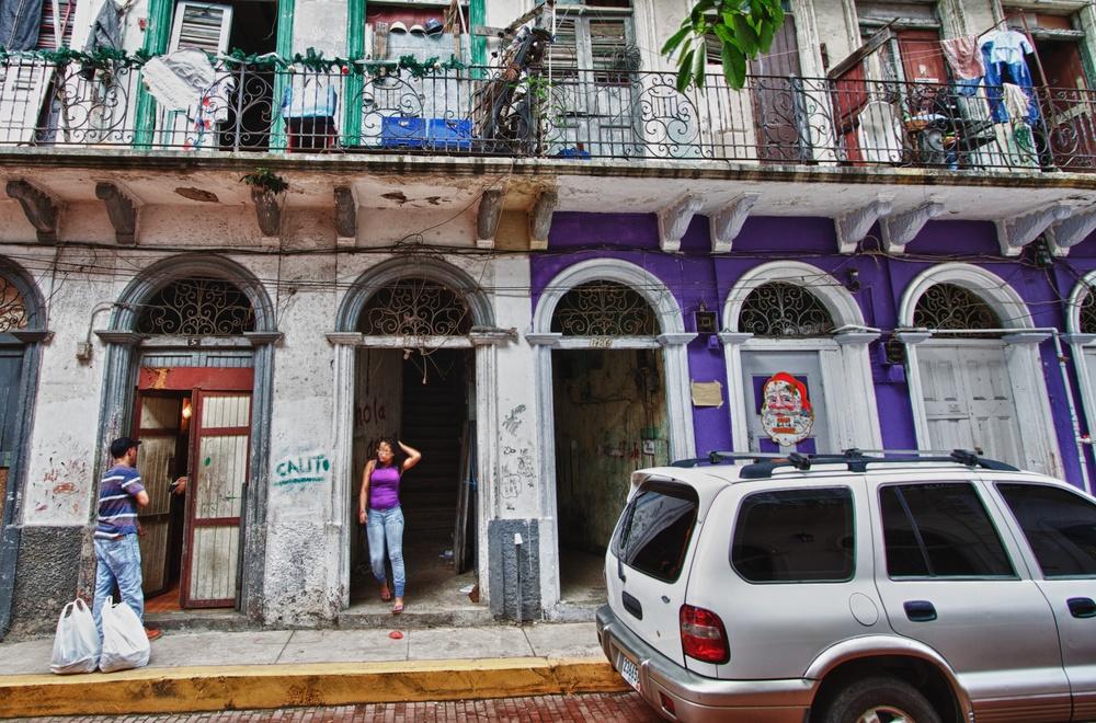 2012-12-31 at 10-15-00 Casco Viejo, Lunch, Panama, Purple, Salesman, Tenement, Doorway.jpg