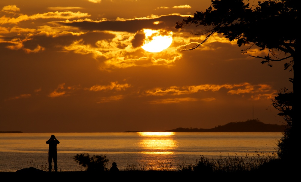 2013-06-08 at 21-07-42 Clouds, Portraits, Seascape, Silhouette, Sun, Sunset, Yellow.jpg