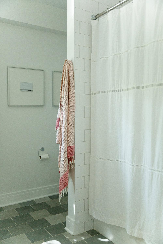 debaun studio_Beechwood_Hall Bath 3.jpg