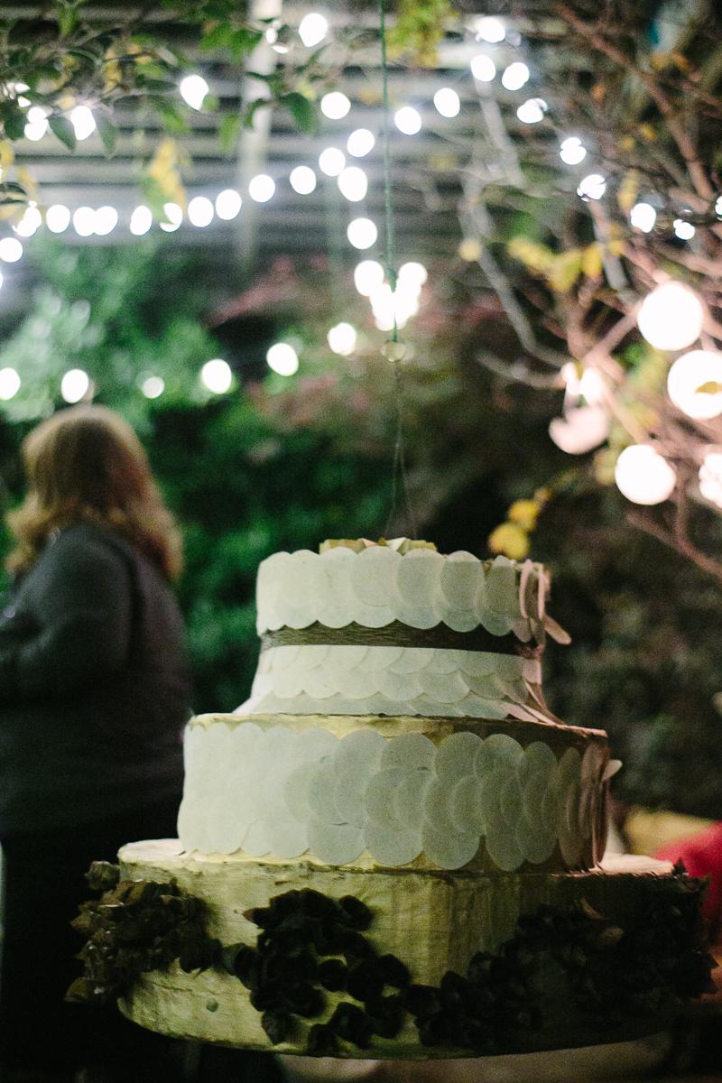 pinata_wedding_cake.jpg