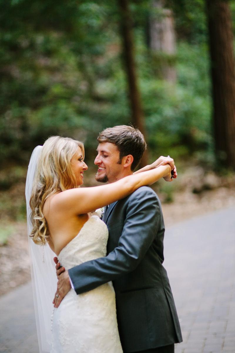 stones and flowers wedding photographer