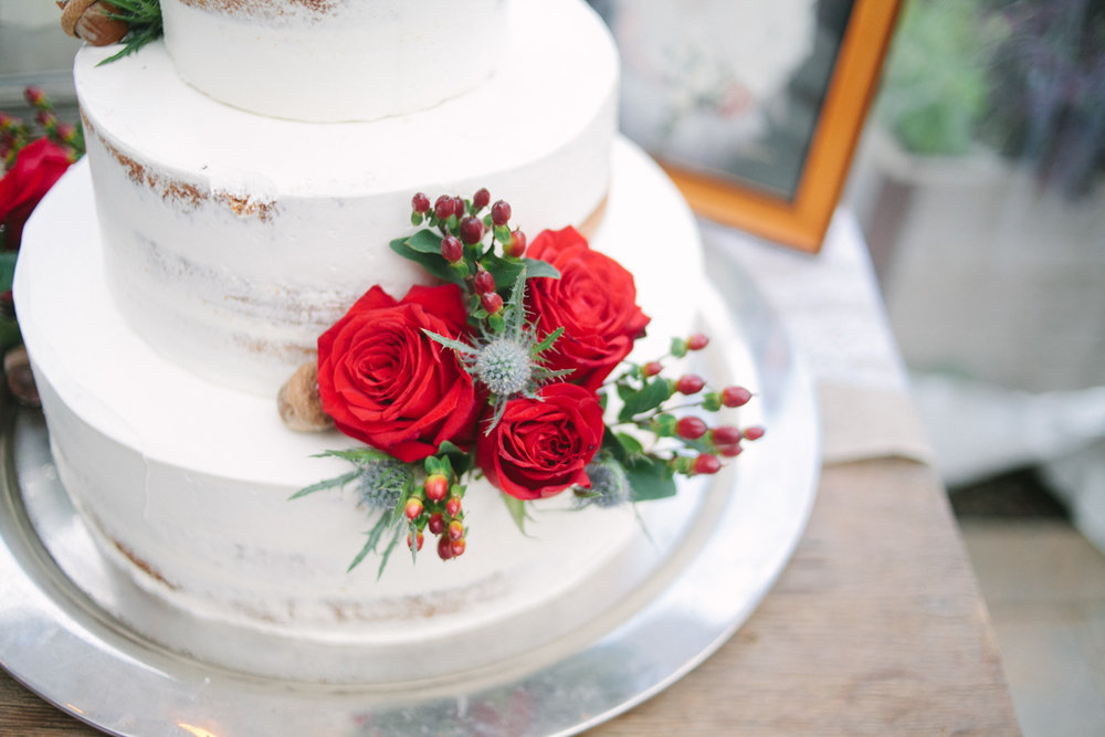rustic red rose cake
