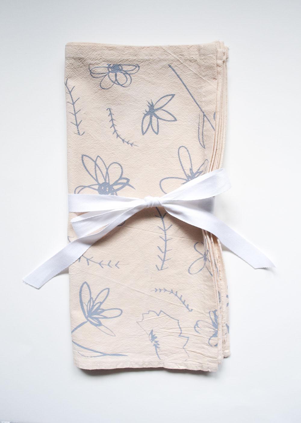 peach floral napkin set.jpg