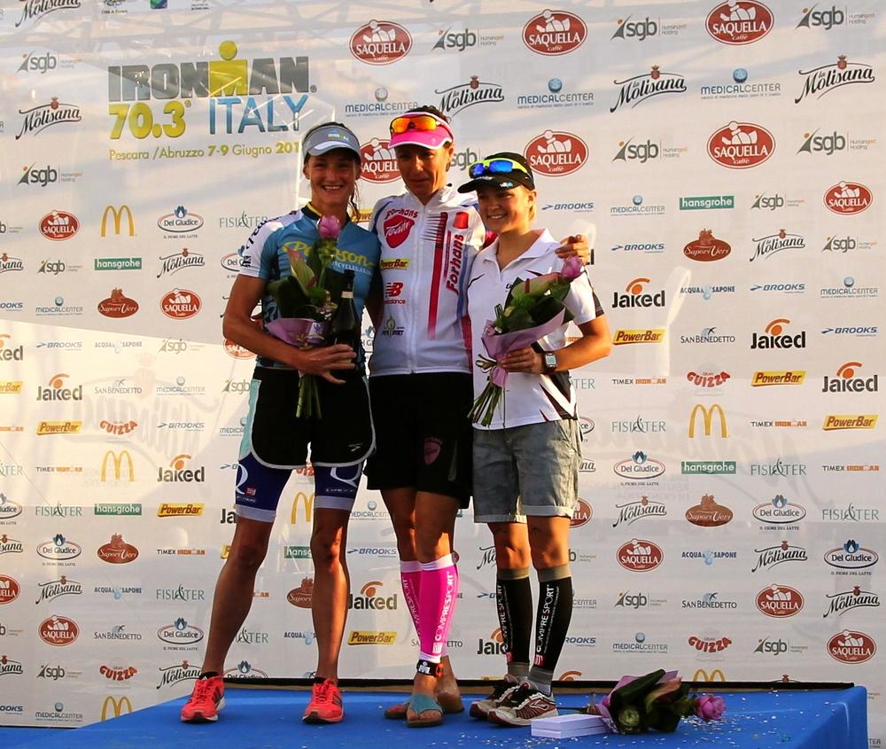 Tamsin Lewis podium triathlon italy ironman