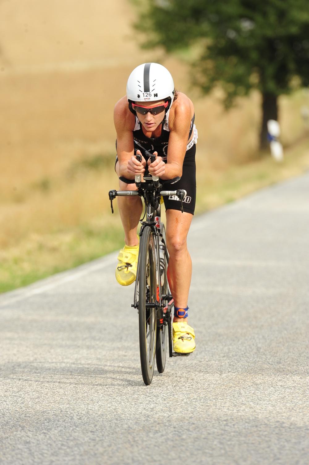 tamsin lewis triathlon race