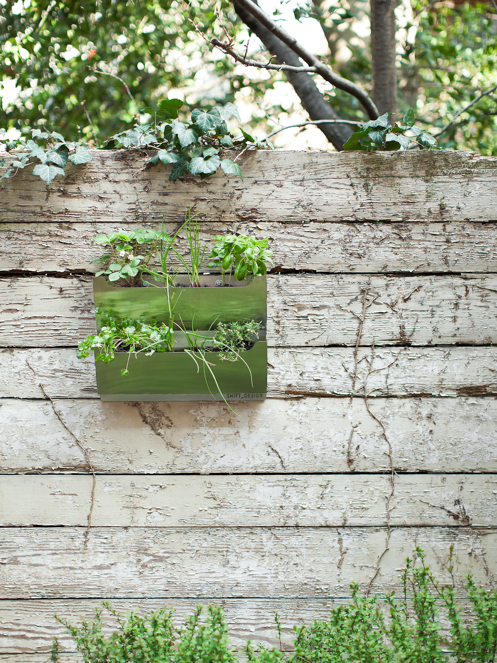 so2011009_wall_planter_small.jpg