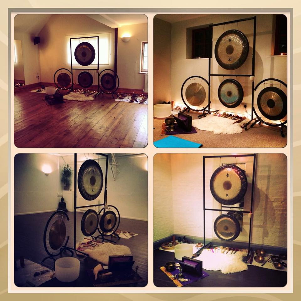 Kanti's gongs @ courtyard.jpg