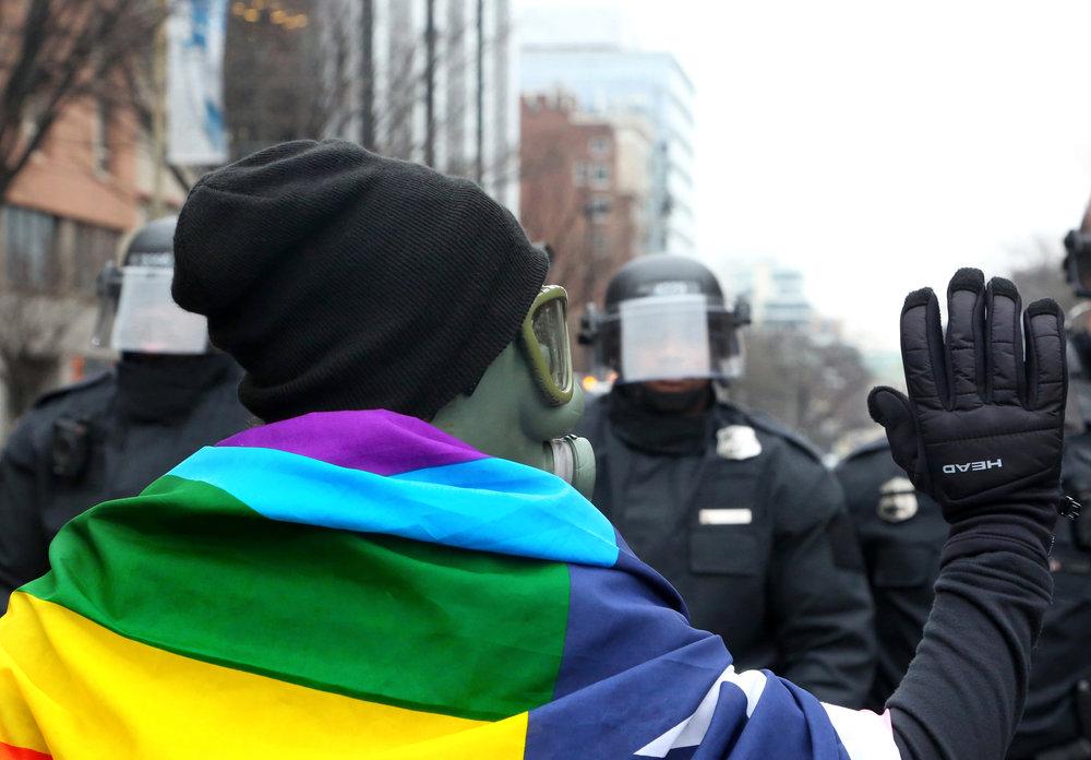 17_inauguration_caitlinfaw_rainbowflag.2.jpg