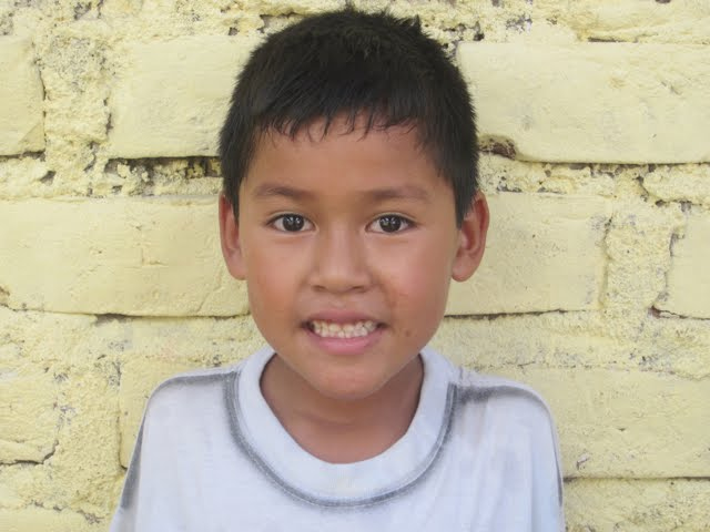Jhael...twin to Jhon and older brother to Jhackeysi...7 years old.