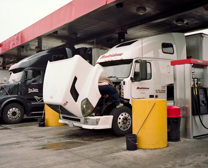 32_truckstop33.jpg