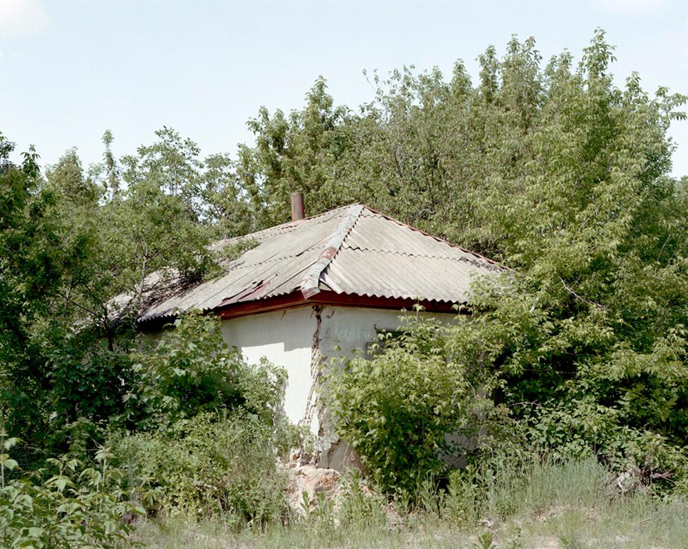 26_chernobylhouse.jpg