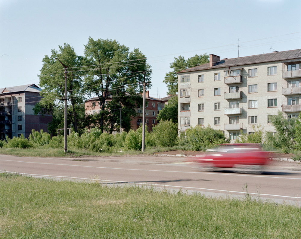 26_chernobylredcar.jpg