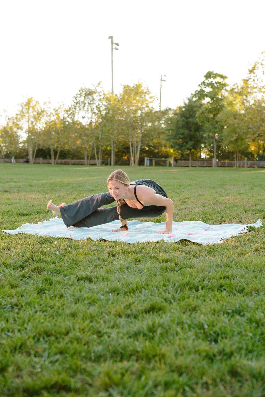 Amber_Yoga290.jpg