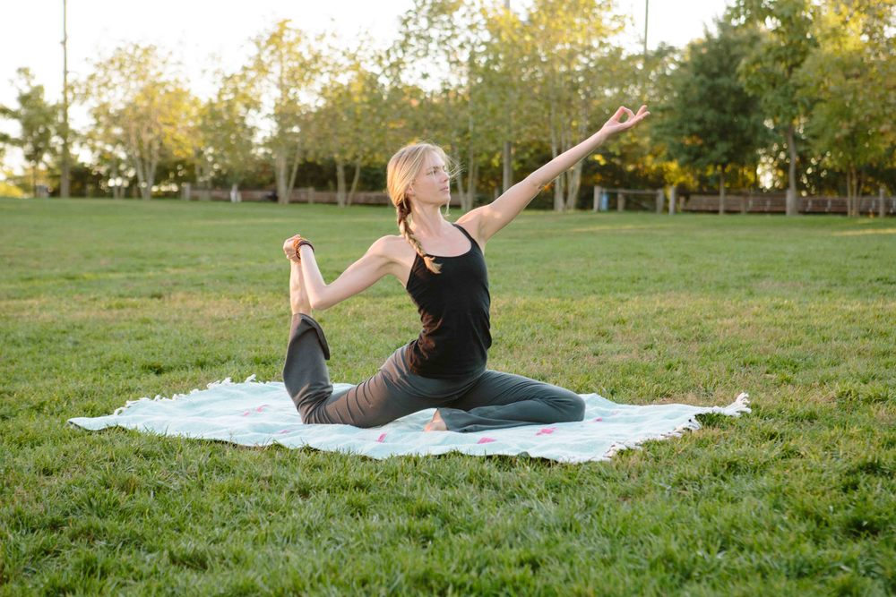 Amber_Yoga311.jpg