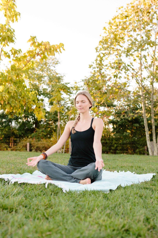 Amber_Yoga398.jpg