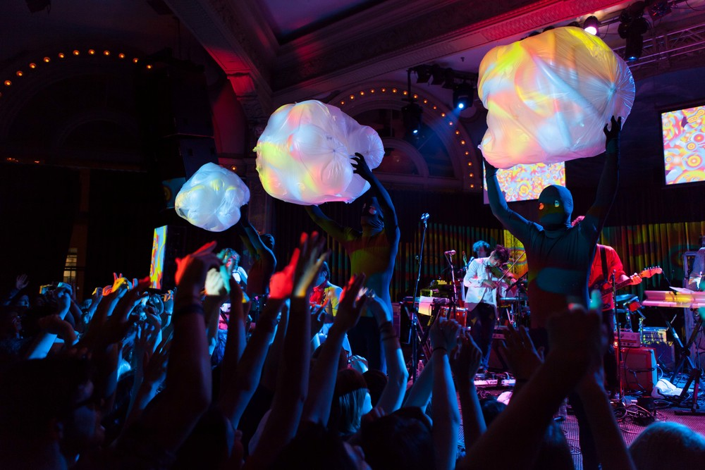 of_montreal03.jpg