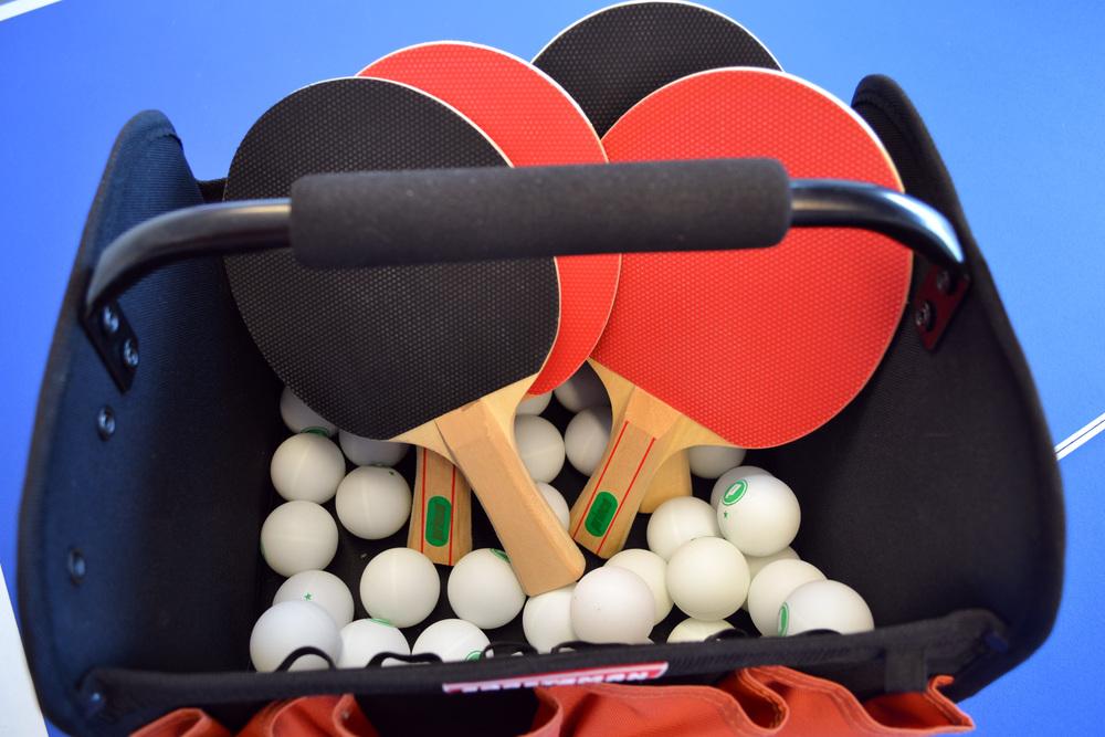ping_pong_paddles_balls.jpg