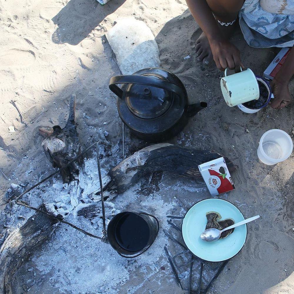 tea time in Tsumkwe @meglawdon