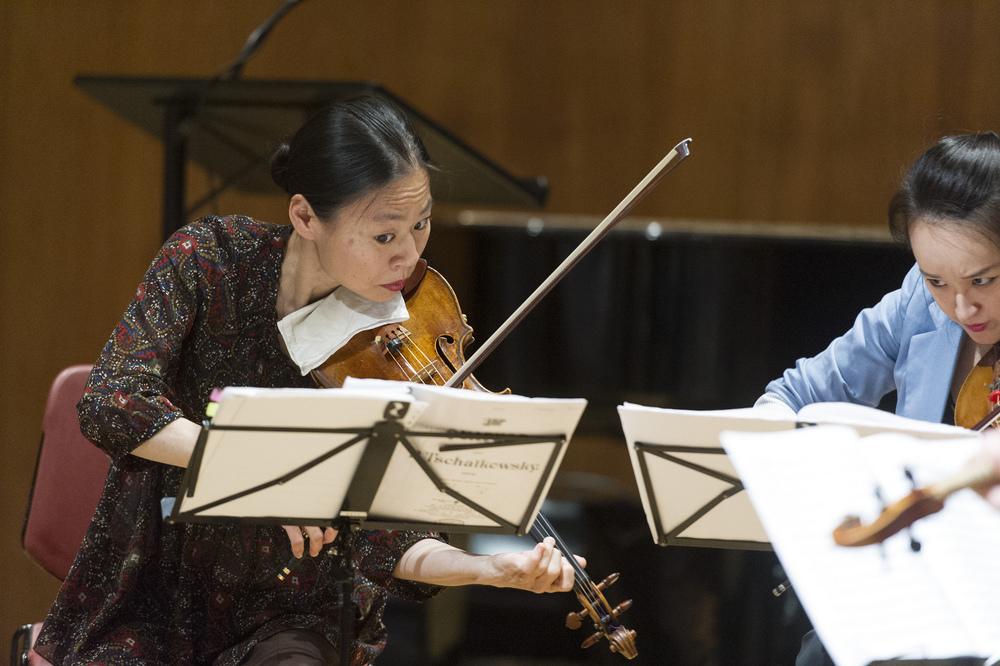 Performance at UNHQ by Messenger of Peace Midori. Photo:UN Photo/Mark Garten