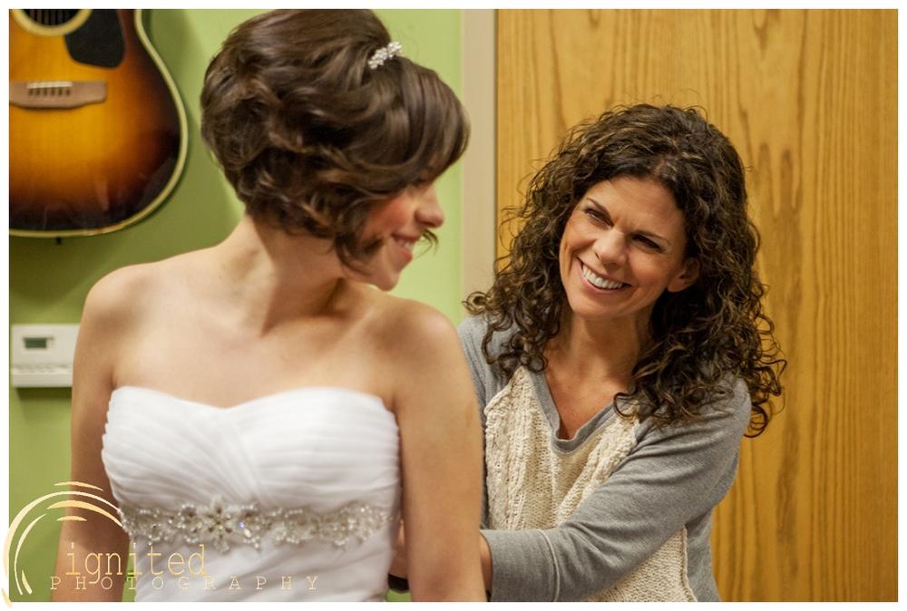 ignited Photography Alyssa  Castwell and Caleb Merna Wedding Brighton Nazarene The Naz Howell MI_0015.jpg