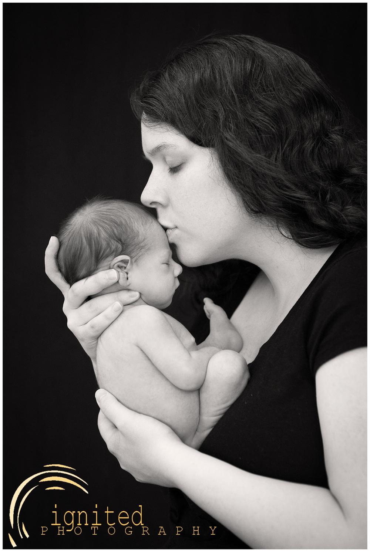 James Wright Newborn_0010.jpg