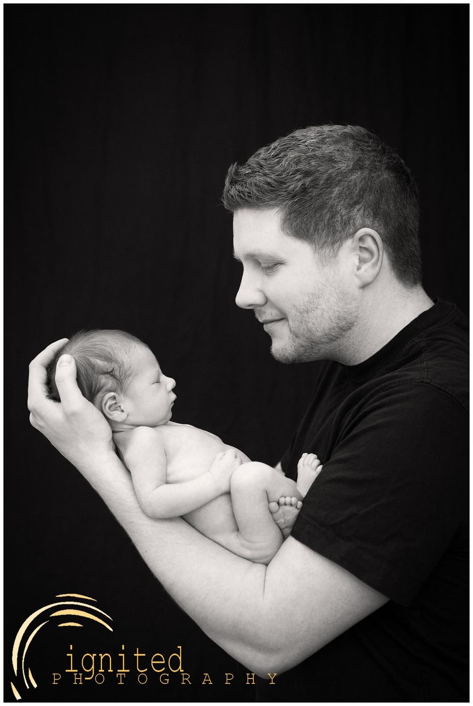 James Wright Newborn_0011.jpg