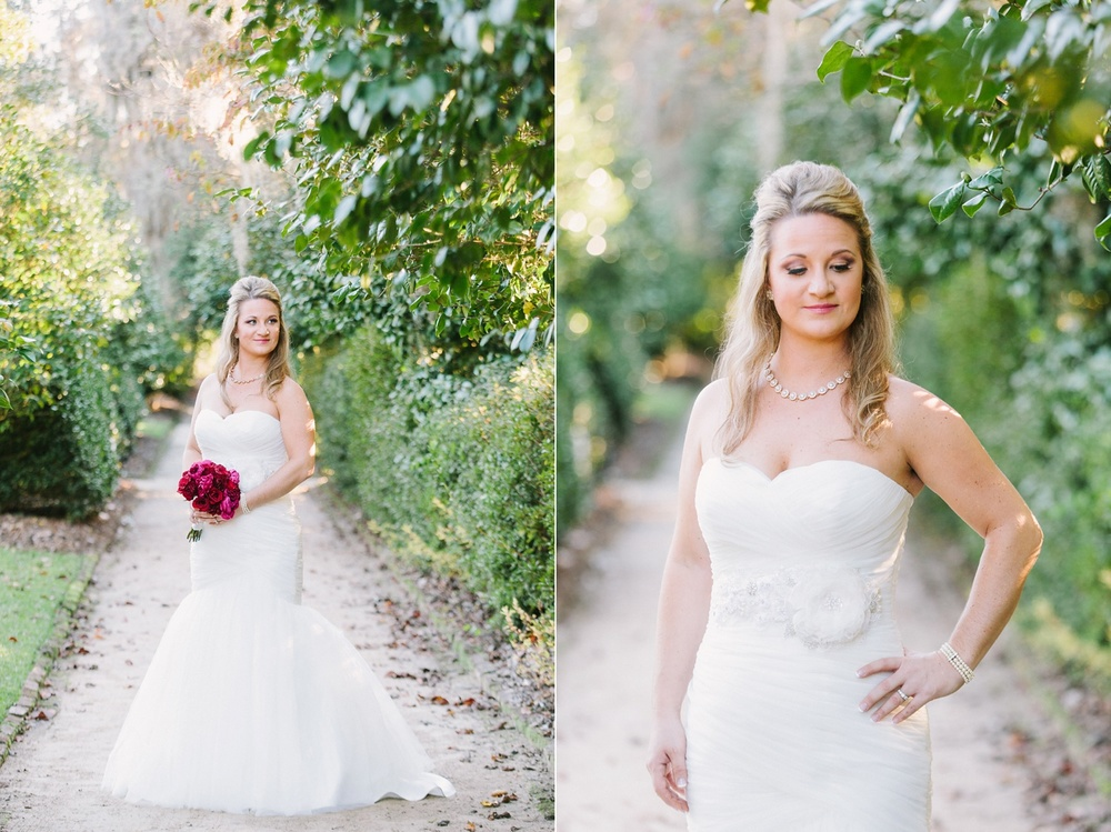 Lindsey_A_Miller_photography_bridal_portrait_middleton_plantation_charleston_sunset_spanish_moss_002.jpg