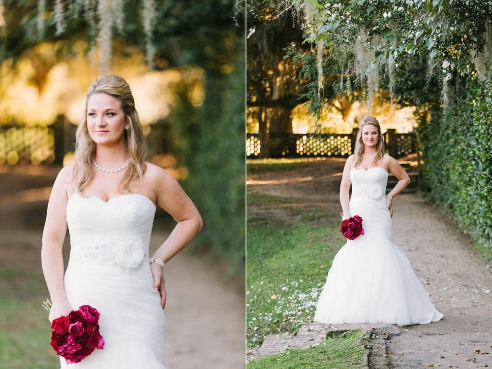 Lindsey_A_Miller_photography_bridal_portrait_middleton_plantation_charleston_sunset_spanish_moss_006.jpg