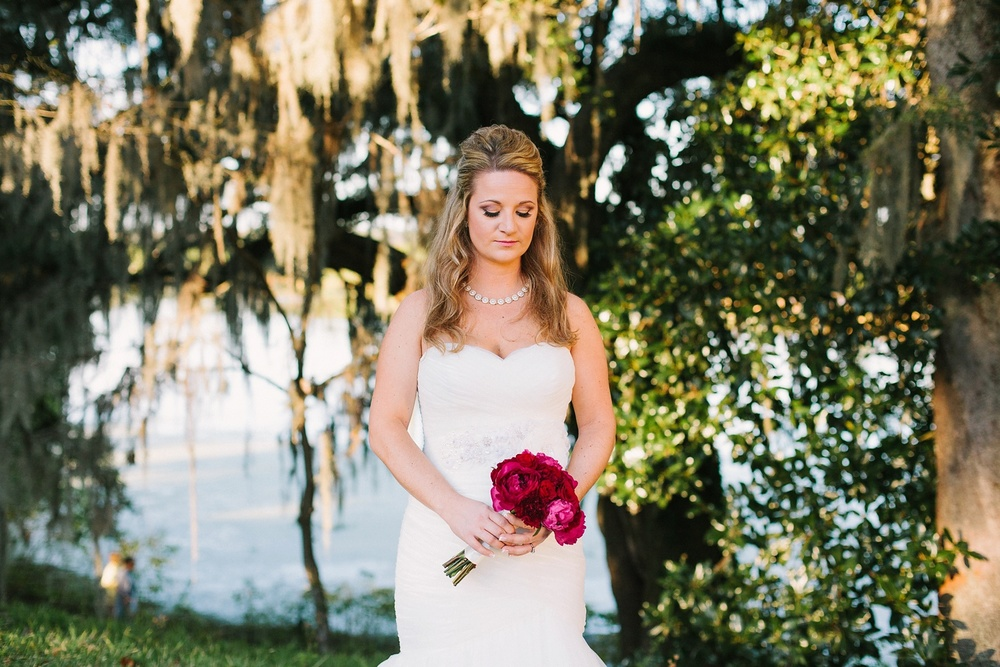 Lindsey_A_Miller_photography_bridal_portrait_middleton_plantation_charleston_sunset_spanish_moss_008.jpg