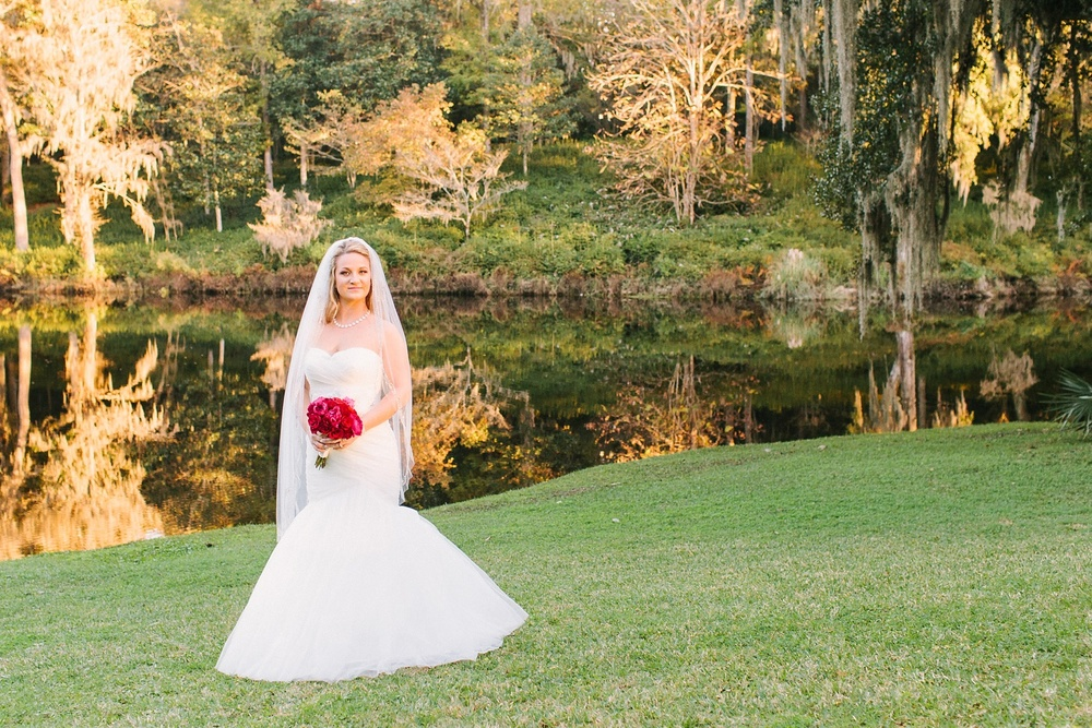 Lindsey_A_Miller_photography_bridal_portrait_middleton_plantation_charleston_sunset_spanish_moss_011.jpg