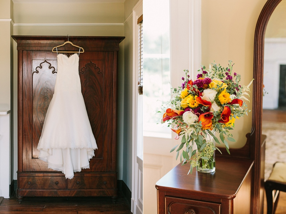 Lindsey_A_Miller_photography_charleston_mcleod_plantation_wedding_row_of_oaks_southern_classic_fall_spanish_moss_historic_home_005.jpg