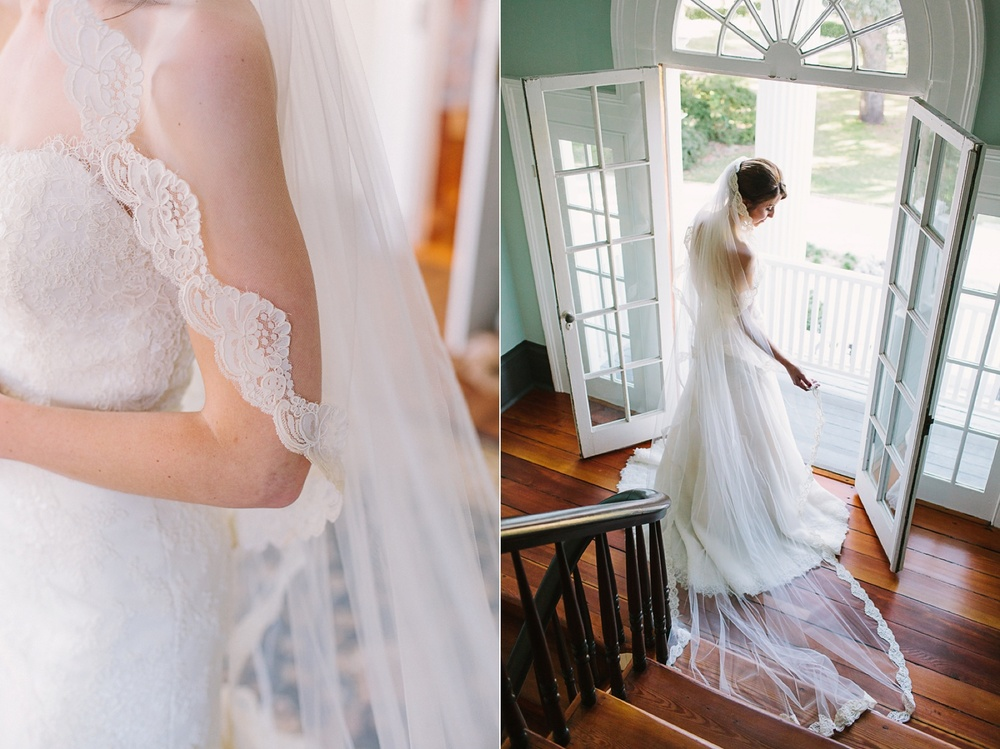 Lindsey_A_Miller_photography_charleston_mcleod_plantation_wedding_row_of_oaks_southern_classic_fall_spanish_moss_historic_home_034.jpg