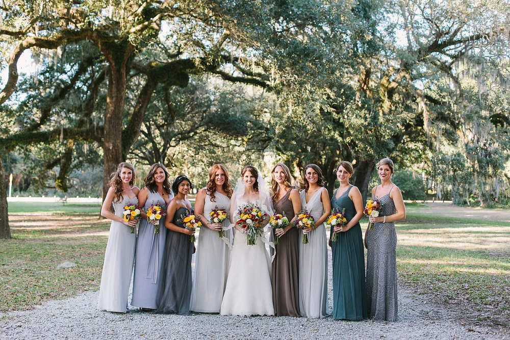 Lindsey_A_Miller_photography_charleston_mcleod_plantation_wedding_row_of_oaks_southern_classic_fall_spanish_moss_historic_home_048.jpg