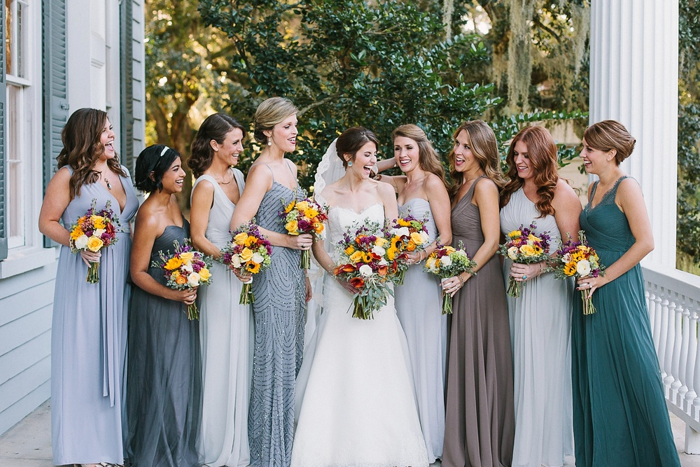Lindsey_A_Miller_photography_charleston_mcleod_plantation_wedding_row_of_oaks_southern_classic_fall_spanish_moss_historic_home_050.jpg