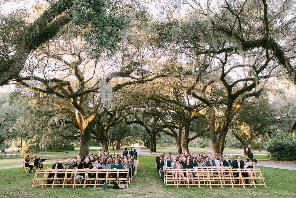 Lindsey_A_Miller_photography_charleston_mcleod_plantation_wedding_row_of_oaks_southern_classic_fall_spanish_moss_historic_home_052.jpg