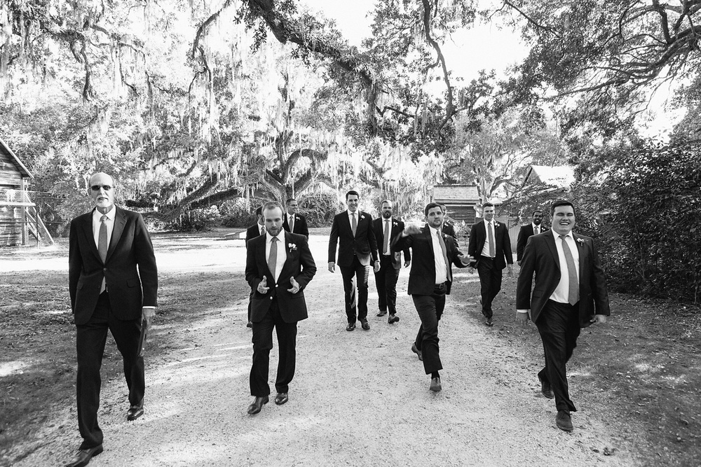 Lindsey_A_Miller_photography_charleston_mcleod_plantation_wedding_row_of_oaks_southern_classic_fall_spanish_moss_historic_home_053.jpg